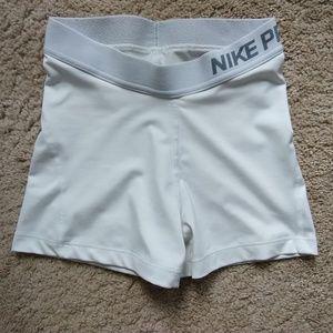 "Nike Pro Women's Compression Shorts/3"""